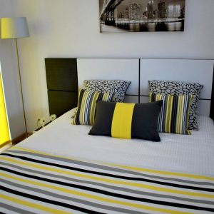 chambre jaune anthrcite